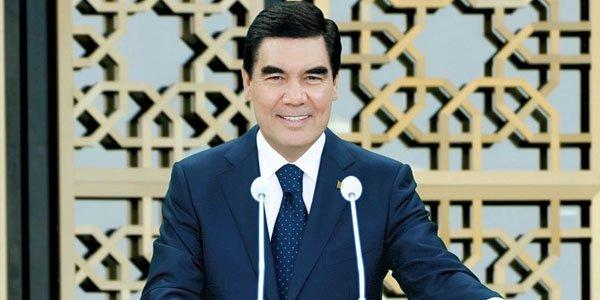 Türkmənistan prezidenti hökumətin iclasına velosipedlə gəldi (FOTO)