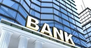 """Ekspert: """"Prezidentin fərmanı istehlakçıların banklara etimadını geri qaytarıb"""""""
