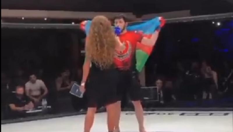 Çeçen döyüşçü Azərbaycan bayrağına büründü - VİDEO